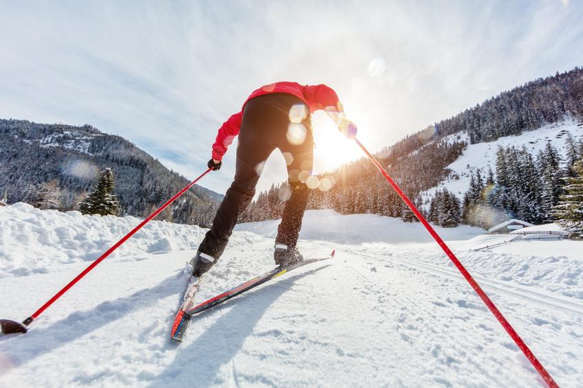 Chaussez vos skis de fond sans douleur aux tendons